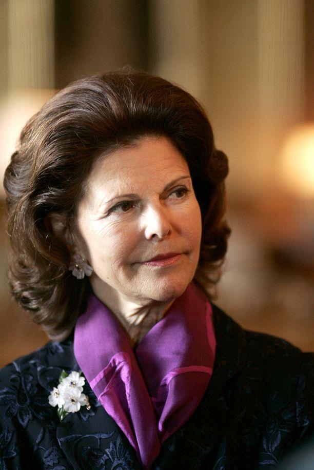 Kaarle Kustaa ja Silvia ovat Expressen-lehden mukaan hädin tuskin puheväleissä.
