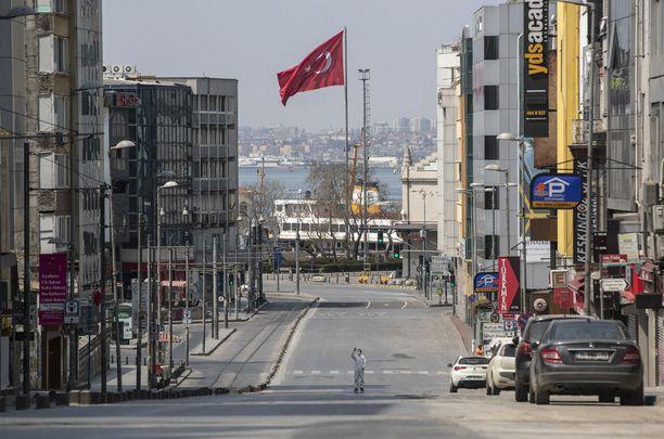 Ulkonaliikkumiskielto autioitti Istanbulin kadut.