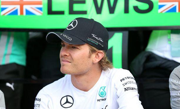 Nico Rosberg taistelee kiivaasti maailmanmestaruudesta Lewis Hamiltonia vastaan.
