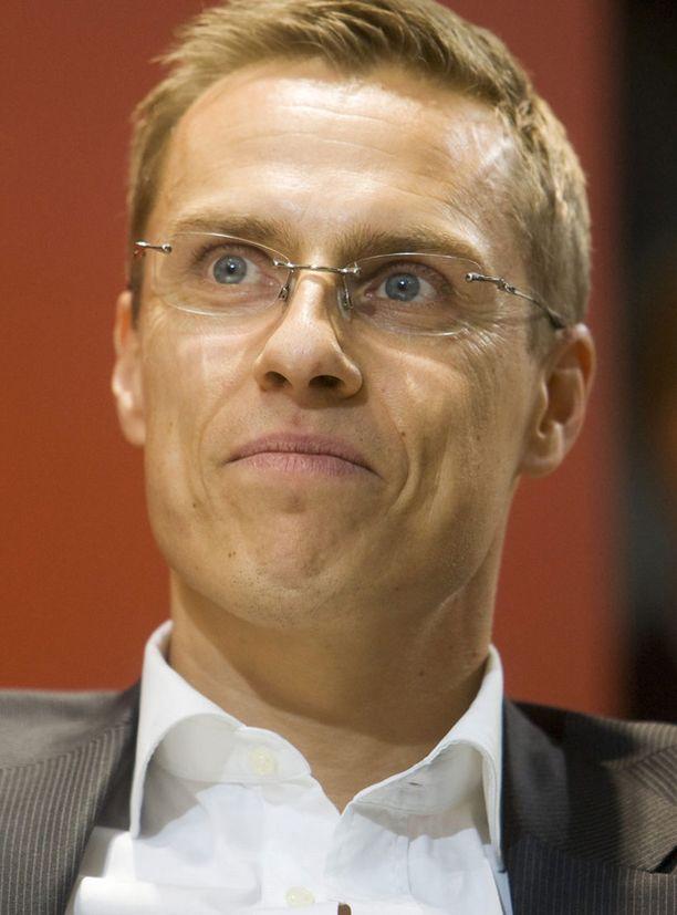 YLPEÄ Ulkoministeri Alexander Stubb (kok.) kehottaa suomalaisia olemaan ylpeitä Suomen menestyksestä.