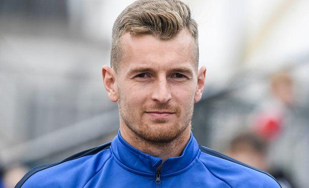 Lukas Hradecky nollasi Unkarin.