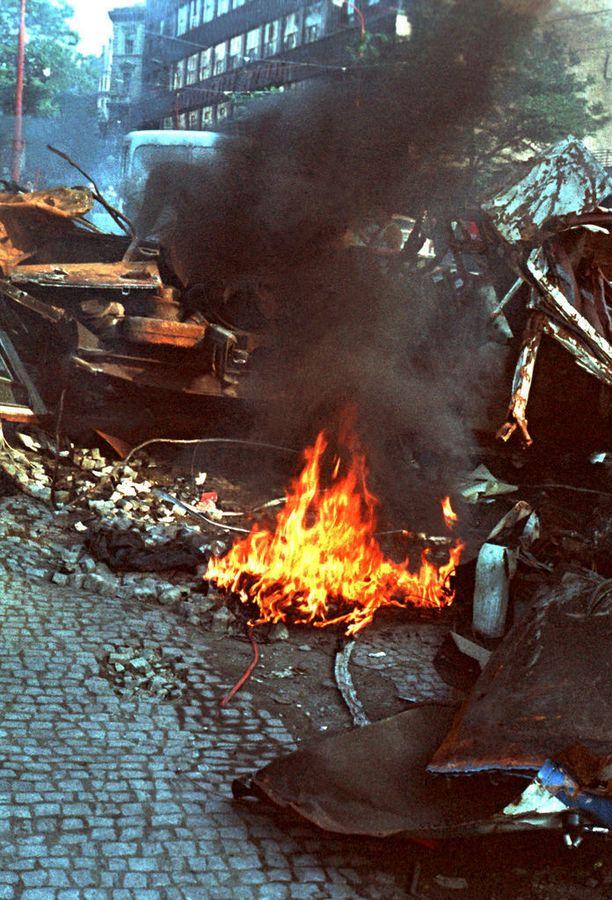 Linja-autoja paloi Prahassa.
