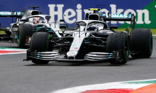 Valtteri Bottas ja Lewis Hamilton hakevat jatkoa Mercedeksen mestaruusputkelle.