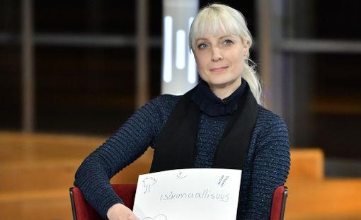 I do not understand why women should be made invisible, it is also a security issue, Huhtasaari said in the presidential election.