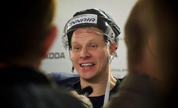 Kapteeni Lasse Kukkonen istui vaihtopenkillä koko Slovenia-matsin.