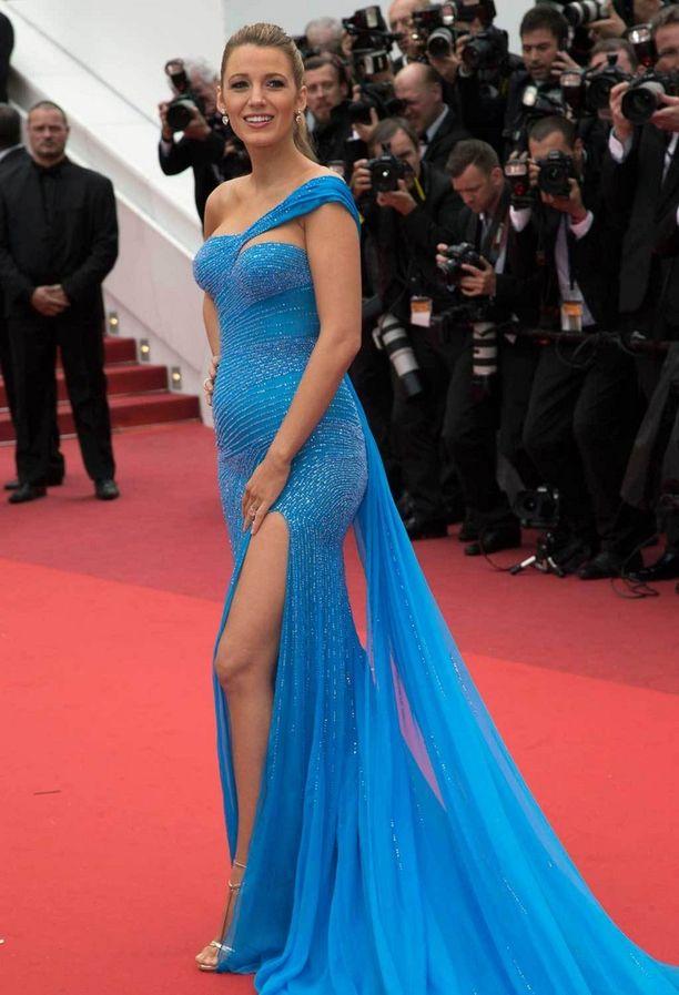 Versacen kaunis iltapuku ihastutti The BFG -elokuvan ensi-illassa.