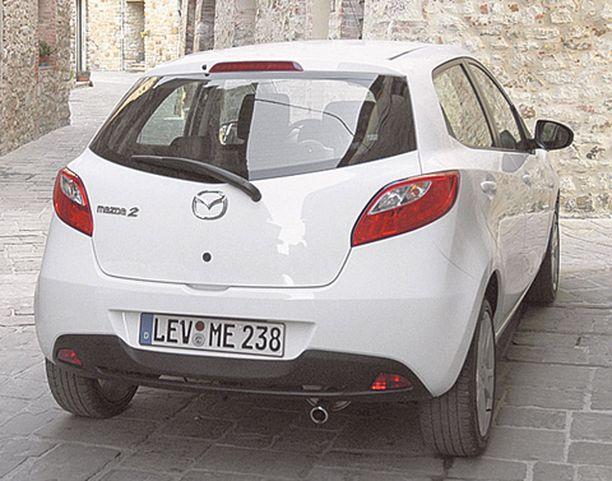 MUODOKAS Mazda2 kosiskelee nuoria naisia kohderyhmäkseen.