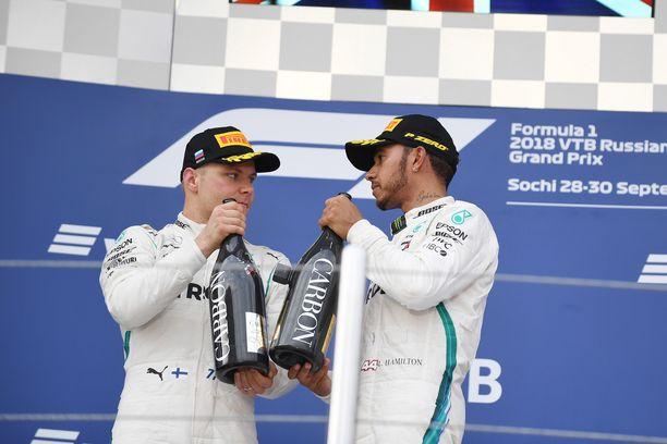 Valtteri Bottaksen ja Lewis Hamiltonin F1-talli Mercedes pyörii jättimäisellä budjetilla.