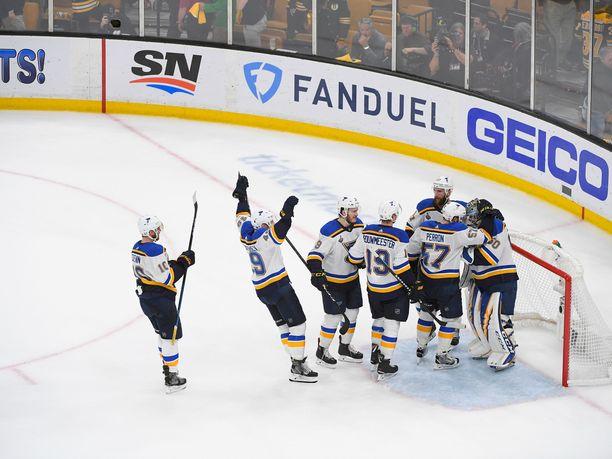 Nähtäväksi jää, juhliiko St. Louis Blues Stanley Cup -mestaruutta tänä vuonna.