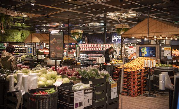 Suomalaiset ostivat viime vuonna erityisen paljon vihanneksia. Kuvituskuvaa Järvenpään Citymarketista.