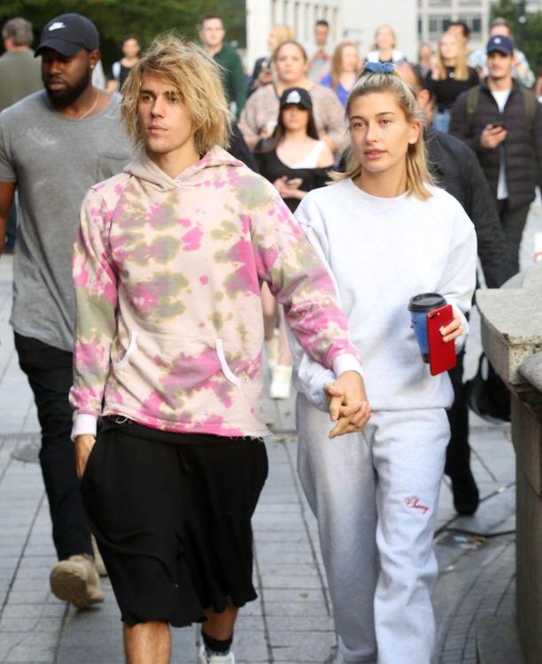 Justin Bieber on eronnut ja palannut yhteen useampaan otteeseen sekä Selena Gomezin että Hailey Baldwinin kanssa.