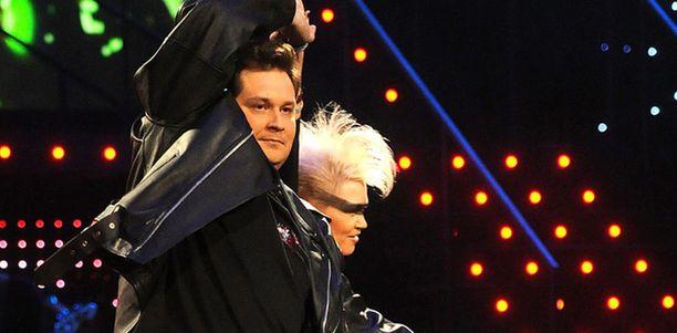Jethro Rostedt osallistui TTK-ohjelmaan yhdessä tanssinopettaja Susa Matsonin kanssa.