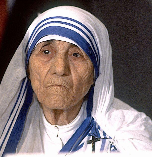 Äiti Teresa vuonna 1986.