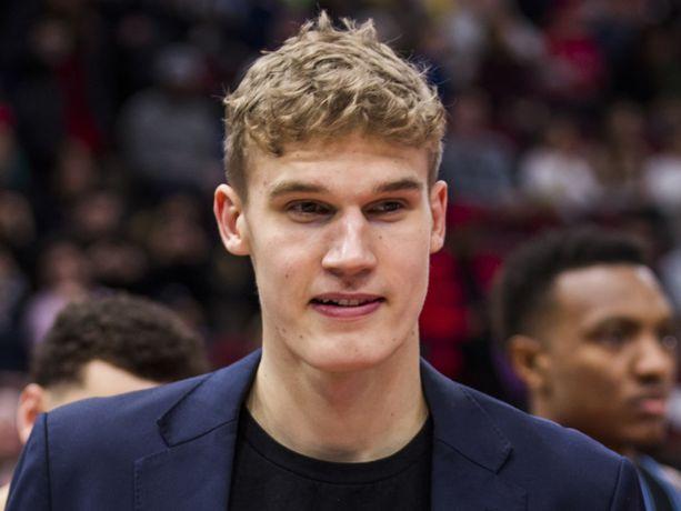 Syyskuussa kyynärpäänsä loukannut Lauri Markkanen ei ole päässyt pelaamaan tällä kaudella yhtäkään NBA-ottelua.