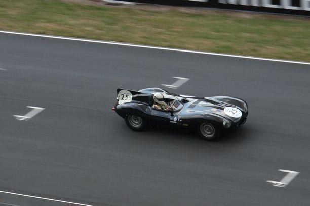 Jaguar D-type vuodelta 1956. Tälläisellä voitettiin Le Mans kolmesti peräkkäin vuosina 1955 - 1957.