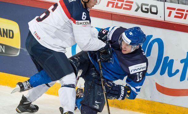 Aleksi Saarela loisti Pikkuleijonien paidassa MM-kisoissa.