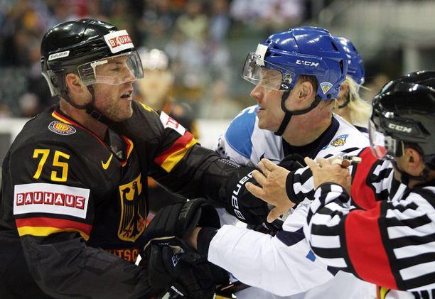 Marcus Kink ottaa yhteen Lasse Kukkosen kanssa.