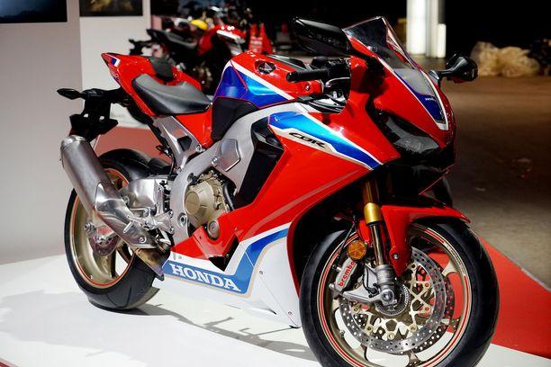Uudistunut Honda CBR1000RR on supersport-luokan pyörä, jonka päivitystä moni on odottanut pitkään.