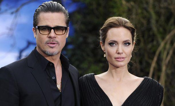 Brad Pitt ja Angelina Jolie taistelevat kiivaasti oikeusteitse lastensa huoltajuudesta.