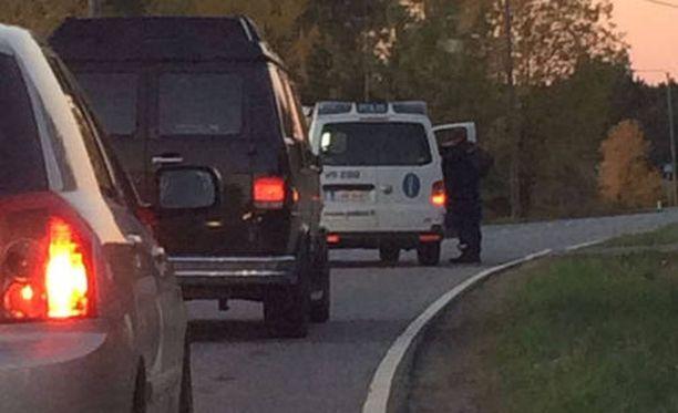 Lokakuinen ampumistapaus johti näyttävään poliisioperaatioon Liedon Tuulissuon alueella sijaitsevalla teollisuuskiinteistöllä.