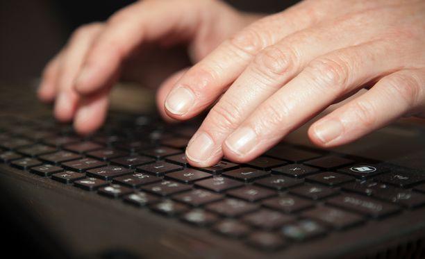Palvelunestohyökkäykset ovat haitanneet muun muassa verkkopankkien toimintaa.