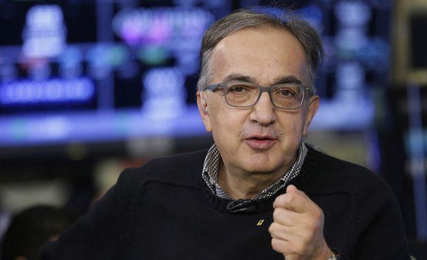Italilaislehti uutisoi Sergio Marchionnen kuolleen.
