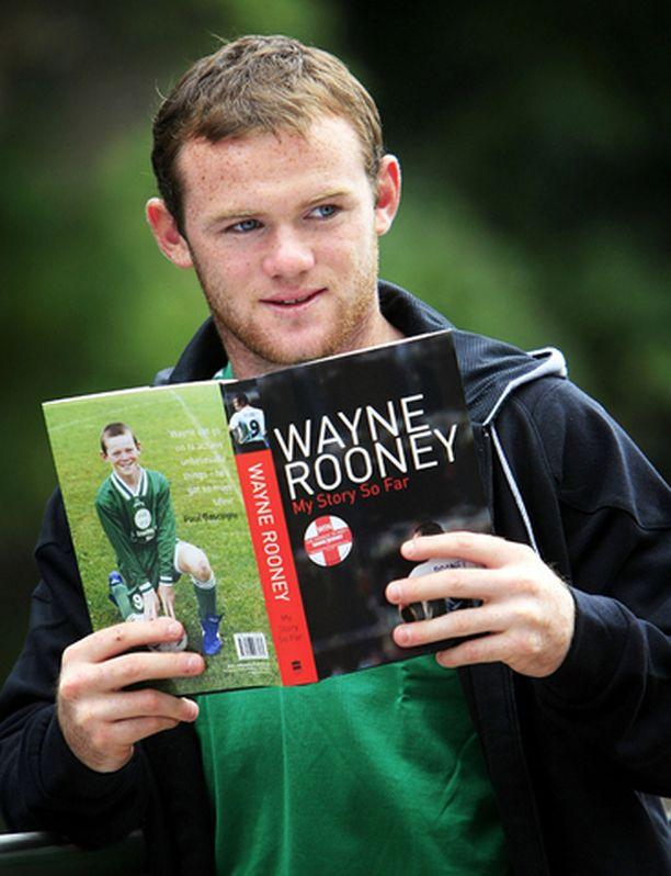 Manchester Unitedin ja Englannin maajoukkueen 20-vuotias hyökkääjä Wayne Rooney julkaisi elämäkerran, jossa hän kertoo tähänastisen elämänsä käänteistä.