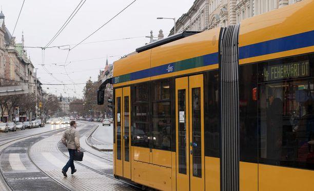 Budapestin liikennelaitoksen BKK:n verkon maksuohjelman lanseeraus epäonnistui ohjelmointivirheiden vuoksi. Kuvituskuva