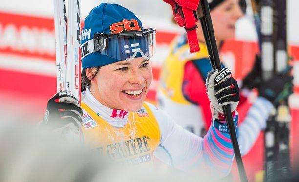 Krista Pärmäkoski palautti suomalaishiihtäjät Tour de Skin palkintokorokkeelle.