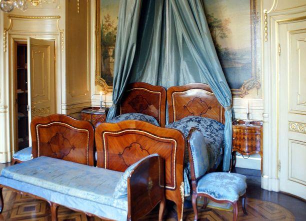 Hallwylin museo oli aikaisemmin yksityinen palatsi. Alkuperäinen kalustus on vielä jäljellä.