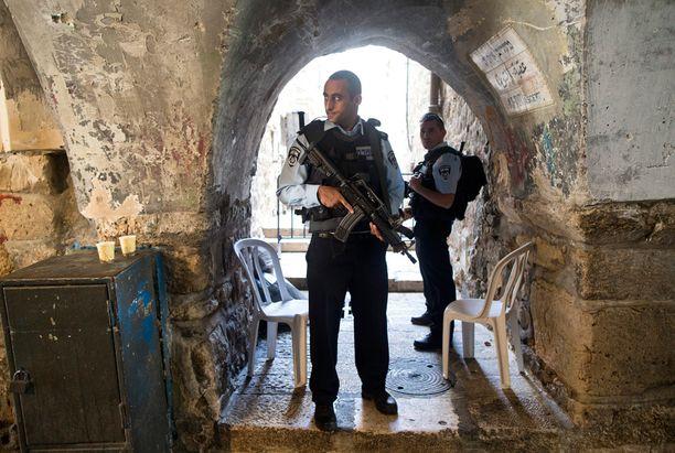 Jerusalemin poliisivoimia on vahvistettu 2000 hengellä.