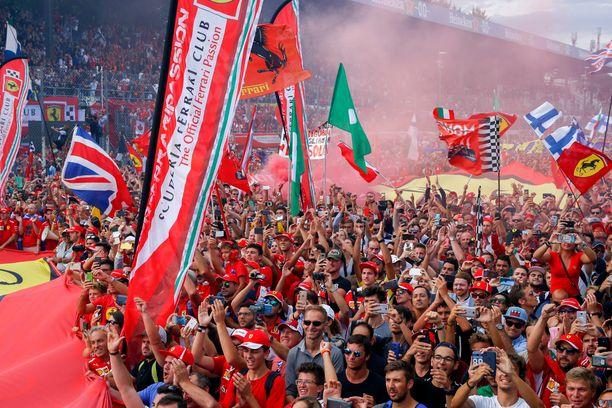 Monzan osakilpailu on tunnettu maanisista Ferrari-kannattajista eli tifosista.