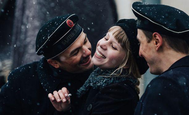 Iita eli Milla-Mari Pylkkänen viihtyy venäläisten matruusien seurassa.