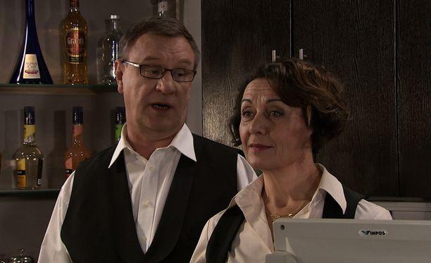 Aki Nikkistä esittävä Sami Uotila pääsee pian tekemään taas töitä Ismo Laitelaa näyttelevän Esko Koveron kanssa.