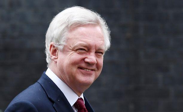 Strategian esitellyt brexit-ministeri David Davis vakuutti parlamentissa Britannian parhaiden päivien olevan vielä tulossa EU:n ulkopuolella.