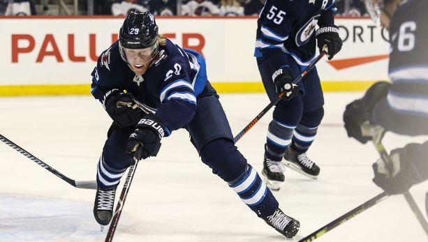Patrik Laine on tehnyt NHL-urallaan 16 ottelussa Dallas Starsia vastaan 18 maalia.