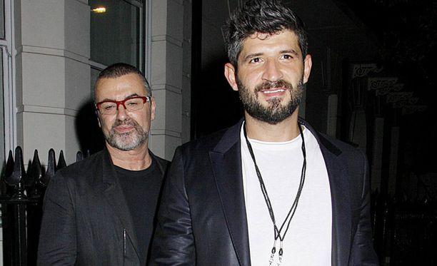 George Michael ja Fadi Fawaz tutustuivat toisiinsa vuonna 2009. Fawaz työskenteli tuolloin parturina.