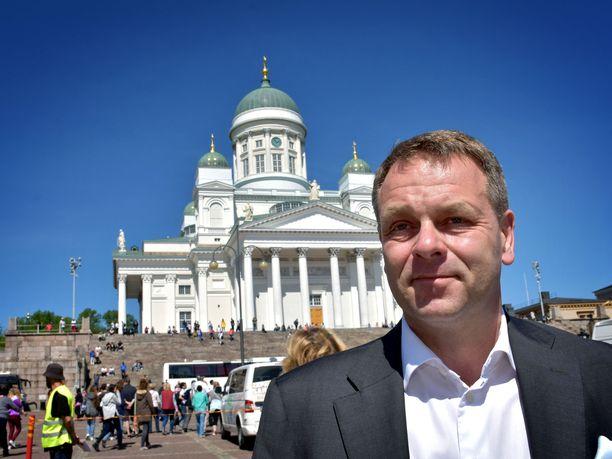 Kokoomuksen entinen kansanedustaja ja ministeri, Helsingin pormestari Jan Vapaavuori on Alma-kyselyssä niukasti suositumpi kuin kokoomuksen puheenjohtaja Petteri Orpo.