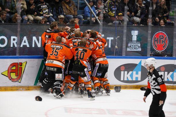 Viime kausi päättyi HPK:n sensaatiomaiseen mestaruuteen.