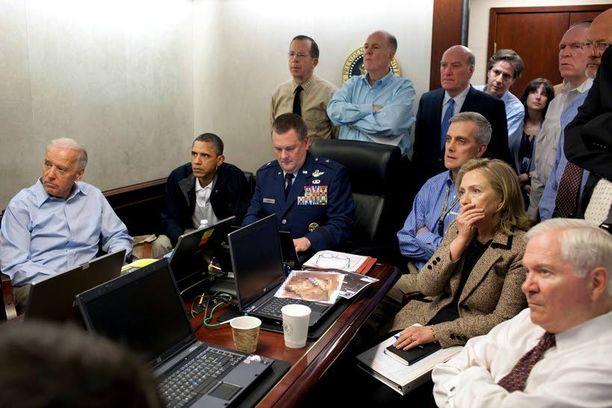 Presidentti Barack Obama, varapresidentti Joe Biden ja ulkoministeri Hillary Clintion seurasivat bin Laden -operaatiota videon välityksellä Valkoisessa talossa.