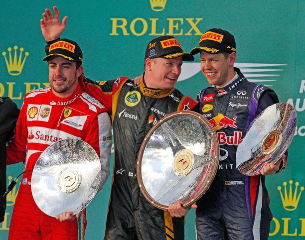 Räikkösen viimeisin GP-voitto tuli Australiassa 2013. Palkintokorokkeella oli seurana Fernando Alonso ja Sebastian Vettel, joiden jalkoihin Räikkönen tulisi jäämään seuraavilla kausilla tallitoverina.