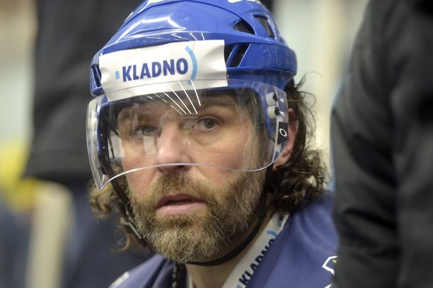 Jaromir Jagr pelasi Kladnossa pääsarjaa jo vuonna 1988. Nyt 47-vuotias legenda valmistautuu jälleen Ekstraliiga-kauteen.