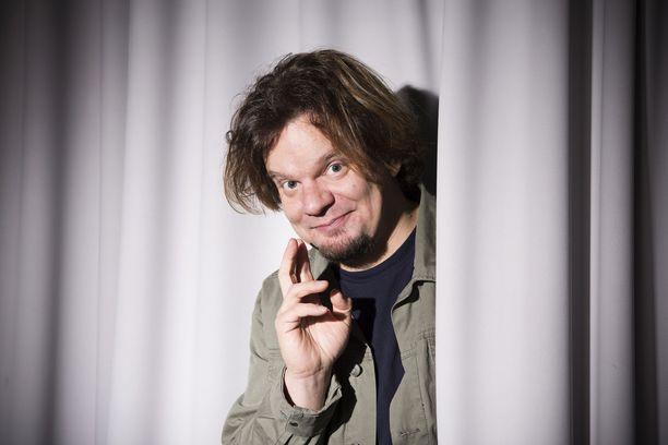 Ismo Leikola on tunnettu suomalainen stand up -koomikko.