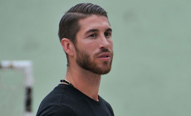 Sergio Ramos ei omien sanojensa mukaan neuvottele yhdenkään seuran kanssa tällä hetkellä.