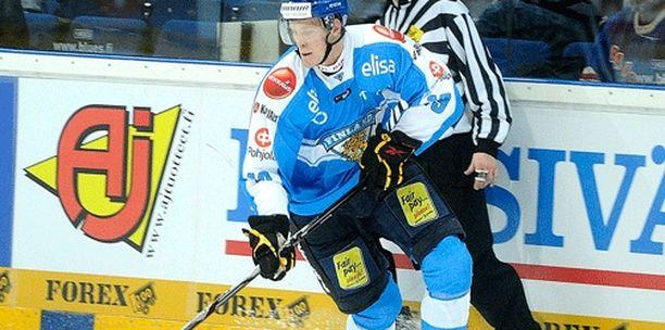 Mikko Lehtosen alkukausi pilalle menee loukkaantumisen vuoksi.