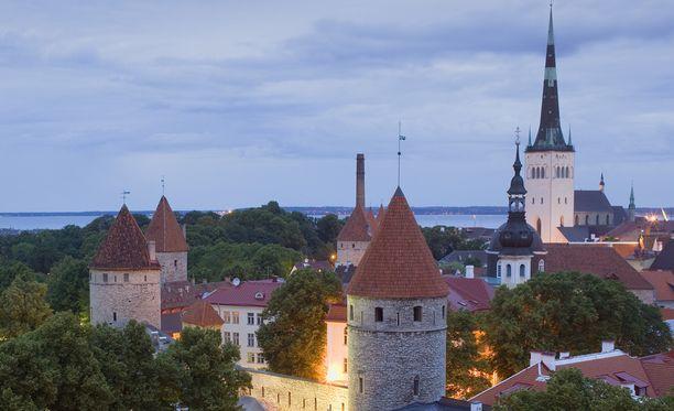 Lehtiväitteen mukaan suomalaisnaiset harrastavat seksiä Tallinnan kodittomien kanssa satamassa sijaitsevissa kommuuneissa.