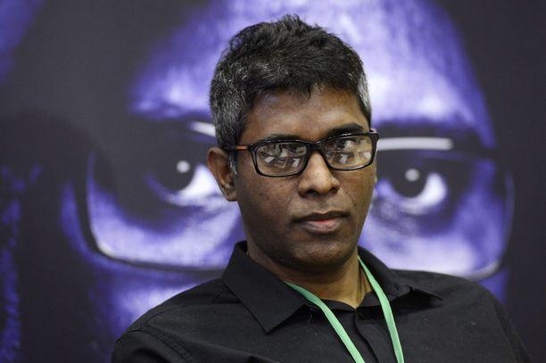 Wilson Raj Perumal järjesteli otteluita useassa maassa, myös Suomessa. Hän sai Lapin käräjäoikeudessa tuomion RoPSin otteluiden järjestämisestä.