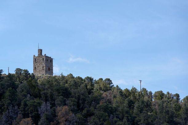 Austinin hylätty Stokes Castle rakennettiin Rooman lähellä sijaitsevan vanhan tornin täydelliseksi kopioksi.
