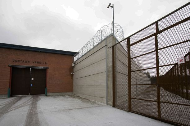 Vantaan vankila on ainakin toistaiseksi Helsingin huumepoliisin ex-päällikön sijoituspaikka.
