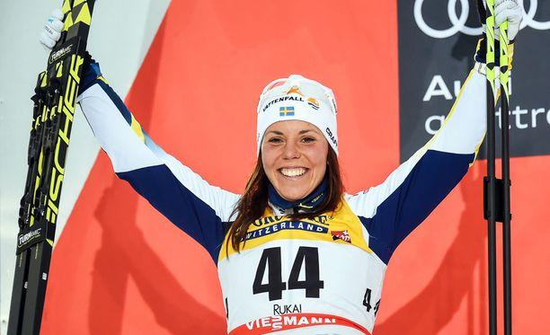 Charlotte Kalla on tehnyt mukavan tilin hiihdolla.